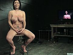 Claire Dames enjoys weights on her big tits in BDSm clip