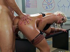 Voluptuous MILF Sadie Swede is drilled deep up her ass in doggy position