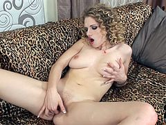 Don't skip this hot solo masturbating blonde for free. She is hot tempered voluptuous babe who masturbates her shaved smooth pussy passionately.
