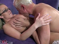 Chubby blonde Jessica Moore is having fun with a guy called Porno Dan. Dan stuffs the hussy's vag with a dildo and begins to lick her clit and pussy lips passionately.