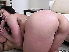 Kendra Lust with juicy bottom asks her man to bang her sweet mouth