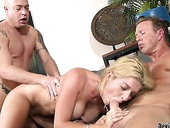 Kodi Gamble cant resist the temptation to take hard love wand in her mouth