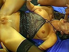 Eagerly slut enjoys huge dick up her tight ass in nasty threesome anal porn