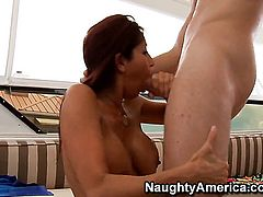 Levi Cash uses his stiff meat pole to make Chica Tara Holiday happy