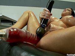 Amazingly hot Jenna Presley fingers her pussy and gets toyed by the fucking machine so well that she squirts.