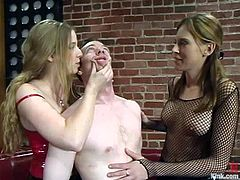 So today we have Audrey Leigh and Princess Kali, making some humiliation over this poor dude in a hot double femdom BDSM!