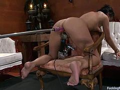 This slender and sizzling chick Halie James is acting naughty. Honey oils herself up and starts having fun, getting nailed by fucking machines!