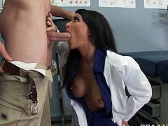 Brunette vixen Jessica Jaymes tastes big fat cock instead of lunch during break in office. Check out that black haired hoe sucking her coworker's massive shaved tool.