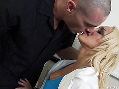 Skanky blonde bitch with fake boobs gets on top of copy machine spreading her legs wide apart. Thirsty dude sticks his tongue to her slit pleasing her much.