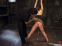 Steven pulls his cock out of Amber and waxes her ass