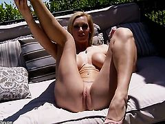 Blonde Tanya Tate has some time to play with her love hole