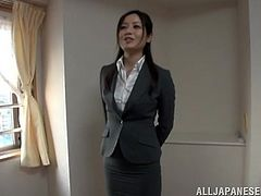 Japanese office girl Minami Asano is playing dirty games with some guy indoors. The man pleases the chick with fingering and then drills her pussy in missionary position on the floor.