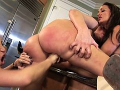American milfs Kayla Quinn, Michelle Le and Savannah Jane at the kitchen