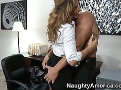 Marco Banderas gets seduced into fucking by Brooklyn Lee