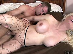 At first, two busty and booty girls - one mature and one babe get fucked hard by two muscle mans. Then this chicks get cumshots on his faces. At second part od the video blonde in fishnet stockings gets banged and gets cumshot in her mouth. Watch this group sex in Fame Digital xxx video!