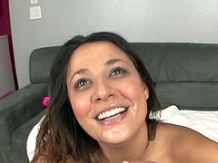 Cute babe gets ravaged in nasty oral show by one large and tasty cock