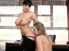 Brunette sex kitten with big jugs finds Colette W. sexy and shoves her tongue in her beaver