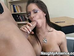 Talon has a good time fucking Rachel Roxxx with big hooters and trimmed bush