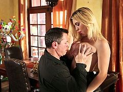 Why is she trying to seduce this man? This blondie is so fucking beautiful that she could just show her extremely seductive body and he would do anything for her. She spreads her sexy legs wide indicating how bad she wants him to lick her juicy muff. Horny stud gets down to business right away.