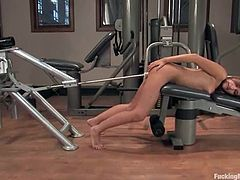 This kinky and naughty babe Dakoda Brookes gets naked and starts using that fucking machine for her perversions.