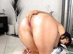 Eloa Lombard cant live a day without getting fucked by hard cocked guy John Stagliano
