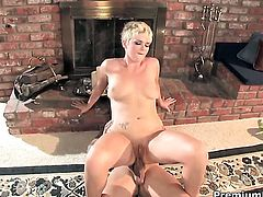 Claudia Downs gets the mouth fuck of her dreams with hard dicked bang buddy