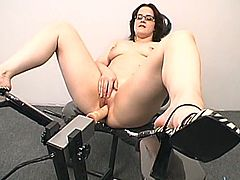 This chick is so high about a fucking machine! She gets naked oils her beaver and turns on that device that fucks her at high speed.