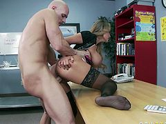 Watch thi hottie gettingbanged in her pussy by her new friend who loved to fuck her on top of the table in Brazzers Network sex clips.