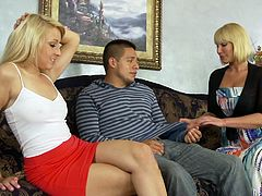 Threesome is what they like having and here is once again an amazing sex story with Mellanie Monroe and Valerie White! Chicks are steaming on David's cock!