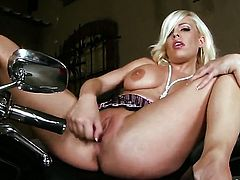 Irresistibly hot cutie Britney Amber strips and plays with her cunt