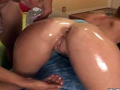 Stunning Hailie shakes her nice booty and shows the pussy in close-up scenes. Then she gets oiled up and fucked doggystyle.