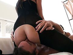 Sheena Ryder and Katie Jordan loses control in insane girl-on-girl action
