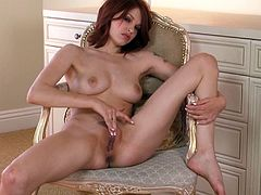 Short-haired redhead Bree Daniels fingers her puss