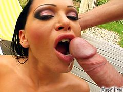 A fuckin' slut sticks a cock-shaped dildo in in her gash as she shows off her fuckin' naked body in this amazing solo scene.