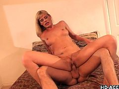 Blonde milf darryl hanah gets her tight ass fucked
