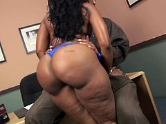 Cherokee Da Ass the ebony MILF shows off her huge ass