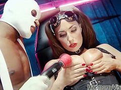 Take a look at this hardcore scene where the sexy babe Paige Turnah shows off her sexy body before she's fucked by a big black cock.