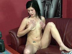 Watch this horny and sexy babe getting her pussy finger drilled by herself infront of the camera in Fame Digital sex clips.