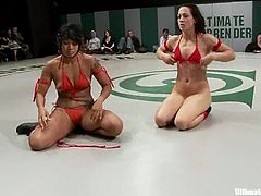 DragonLily, Isis Love, Rain DeGrey, Gia Dimarco and some other girls are having a battle on tatami. They tussle with each other energetically and rub each other's juicy vags.