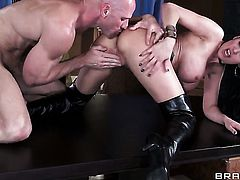 Eva Karera with huge melons asks Johnny Sins to stick his thick snake in her mouth