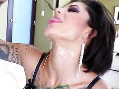 Jonni Darkko gets his always hard dick sucked by Bonnie Rotten