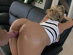 White Milf Brandi has a big tanned Ass