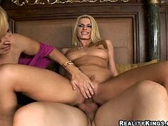 Press play to see a FFM with two stunning blonde MILFs! This lucky guy gets the chance to go hardcore with two yummy pornstars over a nice bed!