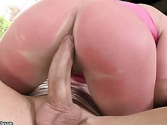 Blonde Natasha Brill with massive melons polishes lucky dudes erect sausage with her lips
