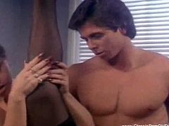 Classic porn Dvds brings you a hell of a free porn video where you can see how the horny Peter North and the naughty Marilyn Chambers set a threesome with a hot belle.