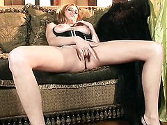Jamie Lynn with massive breasts and smooth pussy has some time to play with her slit