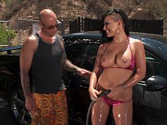Take a look at this hardcore scene where the slutty Eva Angelina takes off her bikini and getting fucked outdoors.