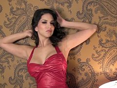 Divine sex doll Sunny Leone came from some party, being dressed so hot and gorgeous! So, she will take off her sexy dress to be naked and sexcite you!