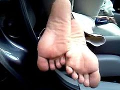 smelly ebony toes