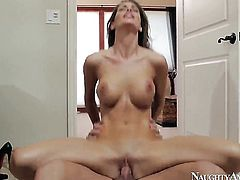 Kortney Kane gets turned on then shagged by Johnny Castle